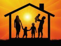 Документы, необходимые для получения молодой семьей господдержки на покупку (строительство) жилья, можно подать дистанционно с помощью Единого портала госуслуг
